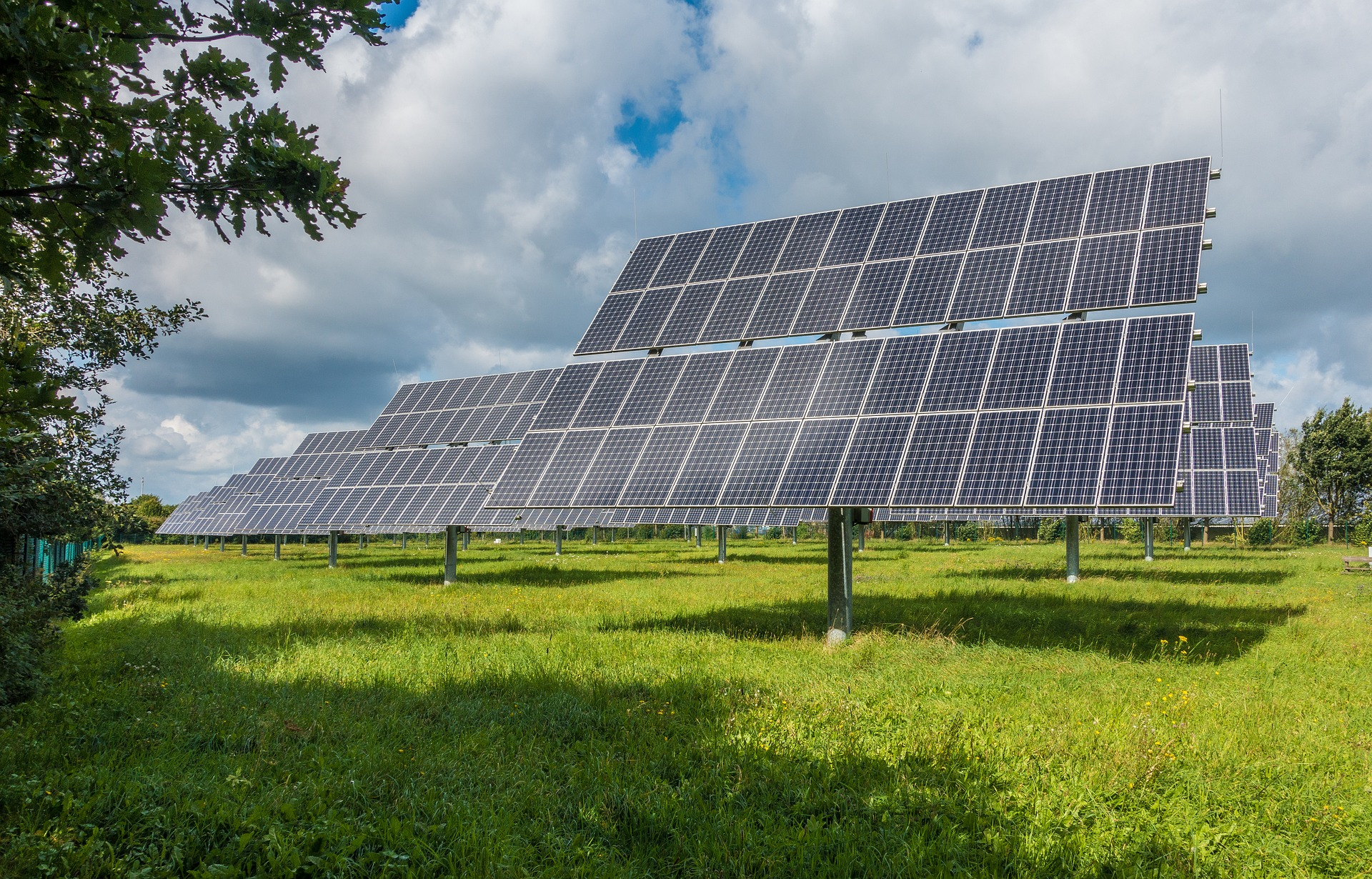 photovoltaic-system-2742302_1920
